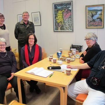 Uusien ja vanhojen taiteilijoiden  tapaaminen Stanzassa